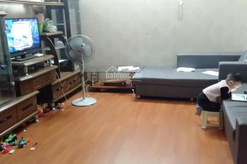 Em cho thuê căn hộ KĐT Việt Hưng full đồ giá 5,5tr/th. 0973681514