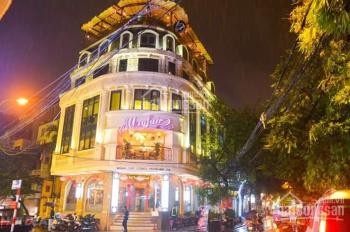 Mặt phố Nguyễn Văn Cừ, diện tích 200m2 x 2 tầng, mặt tiền 8m, thông sàn, ốp kính, LH: 0973476748