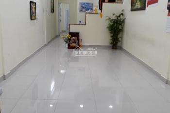 Cho thuê nhà nguyên căn 1 trệt 2 lầu, Q. Bình Thạnh, liên hệ: Cô Giang 0989023389