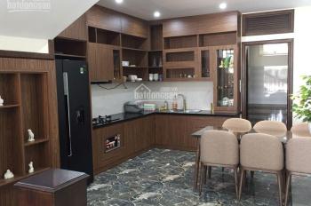 Cần bán gấp nhà tại ngõ 1  phố Nguyễn Thị Định , 55m2 giá 8,2 Tỷ