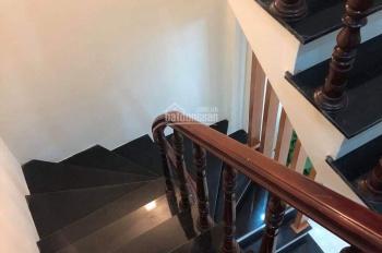 Bán nhà Đội Cấn, Ba Đình 60m2, xây 5 tầng, kinh doanh tốt, ô tô vào nhà, Lh 0946924026