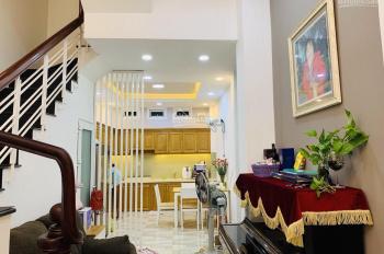Cho thuê nhà Đinh Tiên Hoàng, Bình Thạnh DTSD: 60m2, 1 trệt 2 lầu, 2PN. Giá: 11 tr/tháng