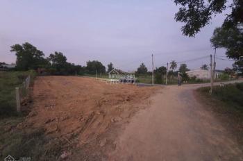 Cần thanh lý 2 lô đất chính chủ ngay KCN Phước Đông giá 400 triệu, sổ riêng. LH: 0899493767