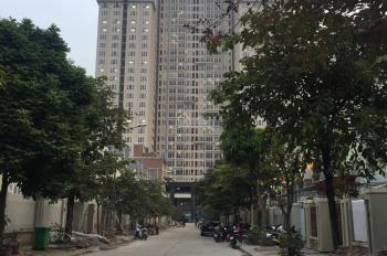 Cần cho thuê nhà liền kề 4 tầng sát tòa Gemek 2 giá 7 tr/tháng, LH 0982148658