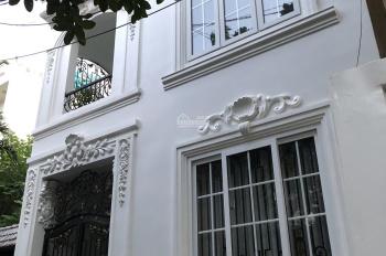 Cho thuê biệt thự phố đường Quốc Hương, Thảo Điền, Q2. Giá 31,3tr/tháng. DT 6x12m 2 lầu. 0938449092