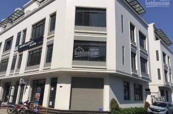 Cho thuê sàn thương mại tầng 1 đẹp nhất Giảng Võ 170m2, MT 10m, giá 160 triệu/th. LH 0979607423
