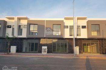Nhà hoàn thiện 100% mặt tiền đường nhựa 13m ngay Trung tâm Thị xã giá 700 triệu lh 0396.506.548
