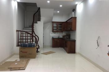 Bán nhà PL Hồ Đình ngõ 156 Lạc Trung DT 33m2x4T ô tô tránh nhau vào nhà, KD tốt, giá 3.3 tỷ