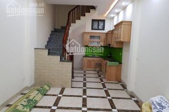 Cho thuê nhà riêng Nguyễn Văn Cừ - LB 5 tầng 3 ngủ, 10tr/tháng