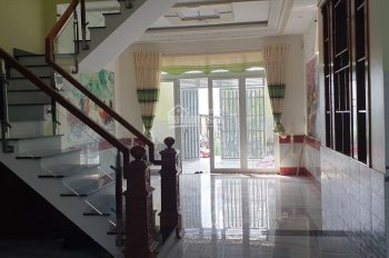 Chủ muốn sang nhượng căn nhà gần Nguyễn Ảnh Thủ, 1 trệt 2 lầu 62m2. LH 0906.949.286