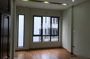 Cho thuê nhà Trần Quang Diệu làm văn phòng, dt 110m, giá 15tr, liên hệ: 0986338382