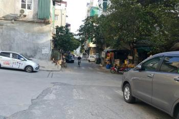 CC bán lô đất cạnh chợ Mỗ Lao Hà Đông, HN ô tô vào nhà, DT 46m2 MT 3.74m, ĐN. 3.3 tỷ. LH 0982889416