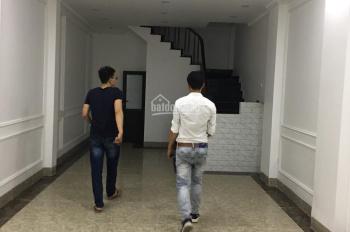 Cần bán căn nhà kinh doanh tốt Văn Khê Hà Đông lô góc vỉa hè 2 bên 5m. LH: 0964901045