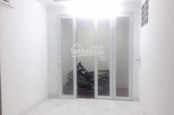 Bán gấp nhà đẹp đường Tam Trinh, Hoàng Mai DT 40m2 x 4T, 2,48 tỷ, LH 0338206666