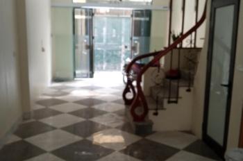 Bán nhà Khương Trung, diện tích 35m2, 5 tầng, giá chỉ 2,5 tỷ, mới, gần trung tâm. LH: 0943103193