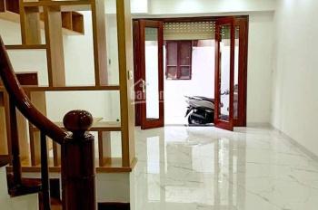 Bán nhà Liễu Giai ô tô vào nhà, kinh doanh và ở rất tốt, giá 8,1 tỷ. LH 0946924026