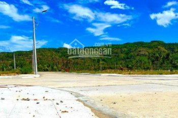 Đất biển Phú Yên, cần bán 5 lô liền kề suất ngoại giao KDC Đồng Mặn, liên hệ: 093.444.9279