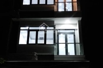Bán nhà phố hiện đại tại khu Anh Tuấn Green Riverside, DT 5m x 17m, 3 lầu, sân thượng, giá 5.5 tỷ