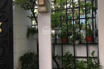 Bán gấp nhà 2MT HXH ngay chợ Hoàng Hoa Thám, PN 5m x 10m, 1 trệt, 4 lầu. GIá: 5.5 tỷ