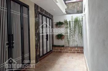 Chính chủ bán gấp nhà gần công viên Cầu Giấy phố Dịch Vọng 35m2 x 5T cách ôtô 50m 3,5 tỷ 0986536900