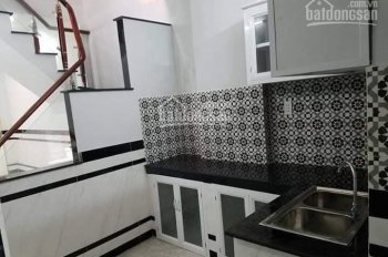 Bán nhà 1 sẹc đường Trần Thị Hè, DT 4 x 11m, 1 trệt 1 lầu, sổ hồng riêng. Giá 2.45 tỷ