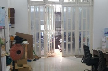 Bán nhà ngay sân tennis Hoàng Long, P7, Gò Vấp: 5 x 16m, nhà 1 lầu giá 8.2 tỷ TL. LH: 0948388880