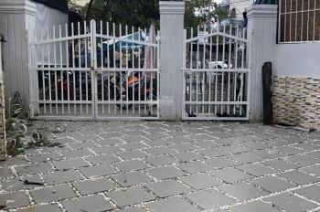 Cho thuê nhà 2 tầng mặt tiền đường Tôn Thất Tùng 140m2, 23tr/tháng. LH: 0986865312