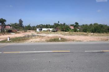 Đất lớn MT DT769 thích hợp để mở quán ăn hoặc cây xăng, đối điện Chợ sáng Phú Hội. LH 0903.952.428