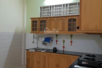 Cho thuê nhà hẻm Lê Hồng Phong, gần siêu thị Coop Mart Nha Trang, giá 8tr/tháng