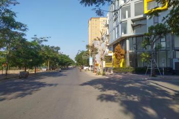 Bán nhà vỡ nợ đường Hòa Bình tổ 7 Cự Khối, DT 120m2 MT 8m, 3 tầng hướng Đông, giá 7,5 tỷ