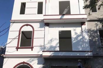Bán căn nhà độc lập 3 tầng, nhà vuông kiểu villa, cạnh chợ Hoàng Mai, sau đô thị PG An Đồng