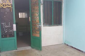 Bán gấp nên hạ giá nhà 2 MT , hẻm XH đường Lê Văn Việt, P. Hiệp Phú, Quận 9, giá 5,6 tỷ còn 5,3 tỷ.