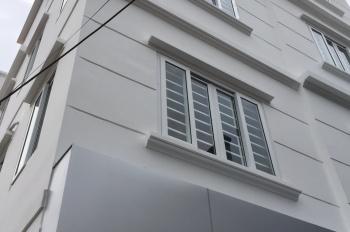 Chính chủ bán nhà TT Phúc Lợi, 42m2x 4 tầng, 2 mặt thoáng, SĐCC, ô tô đỗ cửa 2.9tỷ. LH 0985853299