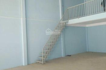 Cho thuê nhà xưởng 200 m2 Hóc Môn