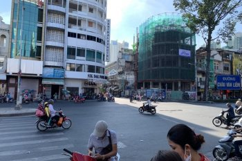 Góc 3 mặt tiền Nguyễn Bỉnh Khiêm - Nguyễn Đình Chiểu, Quận 1, 5 lầu, 8.5x18m, HĐT 3.3 tỷ/năm, 76 tỷ