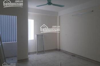 Cho thuê chung cư mini tại ngõ 68 Triều Khúc, DT 30m2, giá 2,7 - 2,8 tr/tháng đủ đồ cơ bản