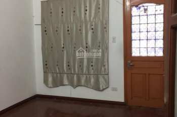 Cho thuê nhà riêng phố Nghĩa Đô diện tích 65m x 4 tầng Gía / tháng. LH 0969488683