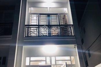 Nhà phố 2 lầu 3PN trên đường Hà Huy Giáp gần UBND P. Thạnh Xuân, đường vào 8m khu đông dân cư