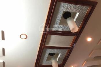 Bán nhà ngõ, 30m2 quận Thanh Xuân giá 2 tỷ 3. LH 0349157982.