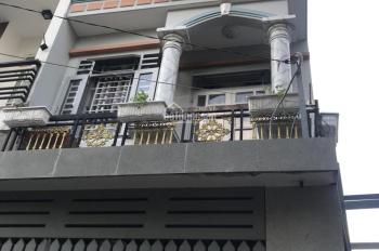 Nhà Q12, 3 tấm cách Nguyễn Ảnh Thủ 100m, gía chỉ 3.1 tỷ, tặng full bộ nội thất. Lh: 0356669091