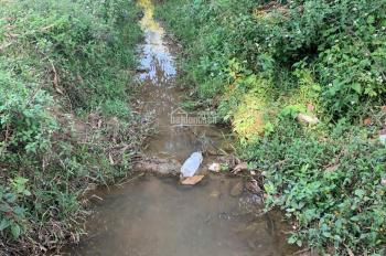 Bán 1300m2 đất có suối chạy quanh, đường rộng có thể làm xưởng, nghỉ dưỡng, 0974715503 - 0356891222