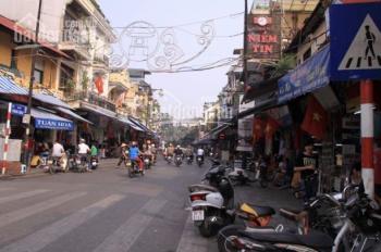 Nhà bán tại mặt phố cổ Hàng Ngang - Hàng Đào. 100m2 MT 5,2m vuông vắn. Hiện trạng nhà cổ 2 tầng