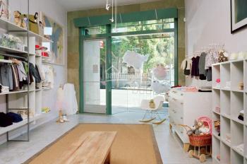 Cho thuê nhà mặt phố Bùi Thị Xuân, DT 117m2 x 3 tầng, mặt tiền 4,8m. LH 0904636919