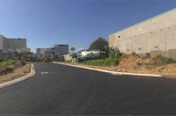 Bán gấp lô đất MT Song Hành, Q6, giá 2 tỷ, gần trường học, dân cư đông, shr, thổ cư. Lh: 0904740321