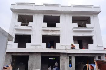 Bán nhà 3 tầng diện tích 50m2 thôn Quỳnh Hoàng, xã Nam Sơn, cách đường 351 chỉ 150m
