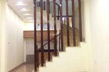 Bán nhà PL Hồ Đình ngõ 156 Lạc Trung DT 33m2x4T ô tô tránh nhau vào nhà, KD tốt giá 3.2 tỷ