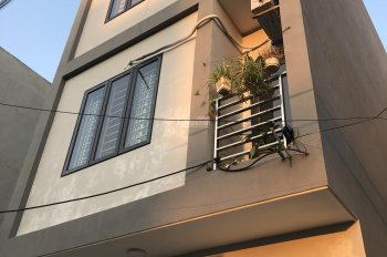 Nhà 4 tầng, 36m2 cách mặt phố Yên Bình 40m, cách bến xe Yên Nghĩa và chợ Yên Nghĩa 500m giá 1.28 tỷ
