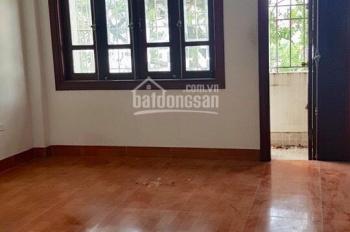 Cho thuê nhà ngõ 158 Hoàng Văn Thái, 65m2 x 4 tầng, ngõ ô tô đỗ, mỗi tầng 2 phòng ngủ, giá 14 tr/th