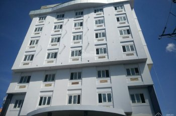 Bán khách sạn mặt tiền Hùng Vương, Dương Đông, Phú Quốc, DT 20m x 44m, xây 8 tấm, giá 140 tỷ