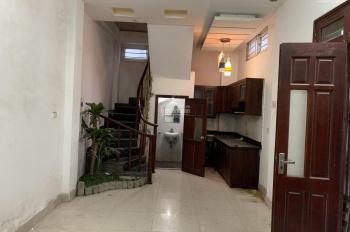 Cho thuê cả 2 nhà 4 tầng, số 5 ngách 78/62 Ngõ 42 Phố Sài Đồng, DT 40m2, 4 triệu/tháng